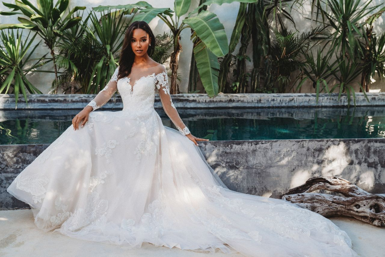 Purchasing a Used Wedding Gown – Weare The Shops